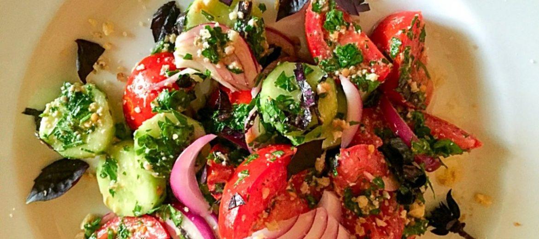 Салат по грузински с орехами