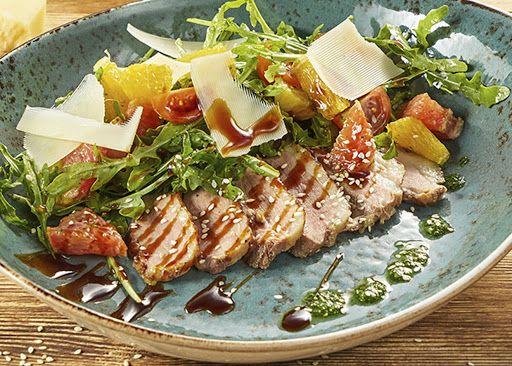 Гриль салат с телятиной